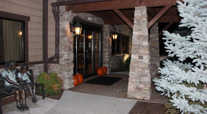 The Brookstone Lodge: Explore Asheville, Visit Biltmore Estate.